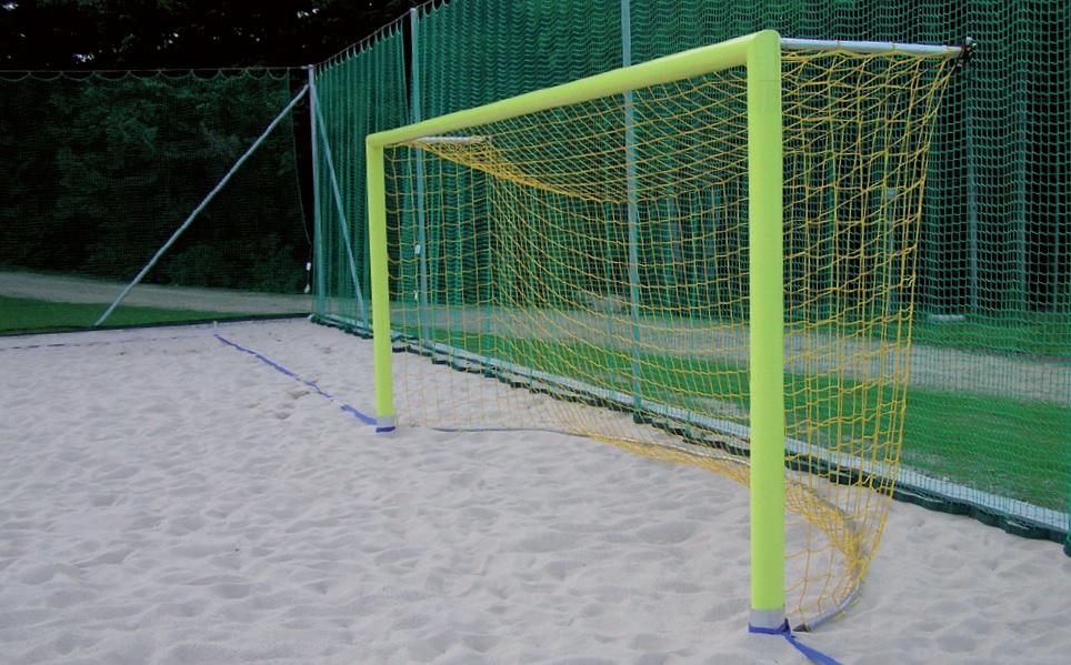 Beachsoccerdoel gele doelpalen zand beach