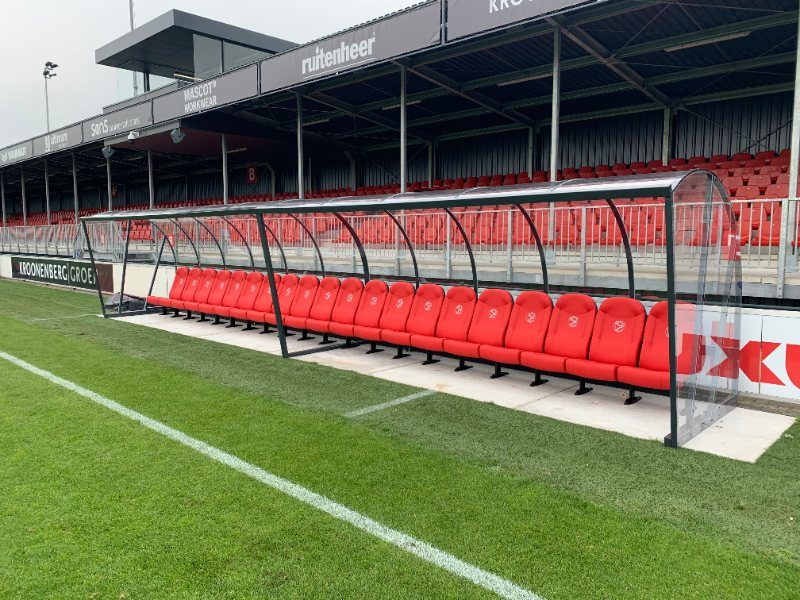 Almere City dug-outs stadion