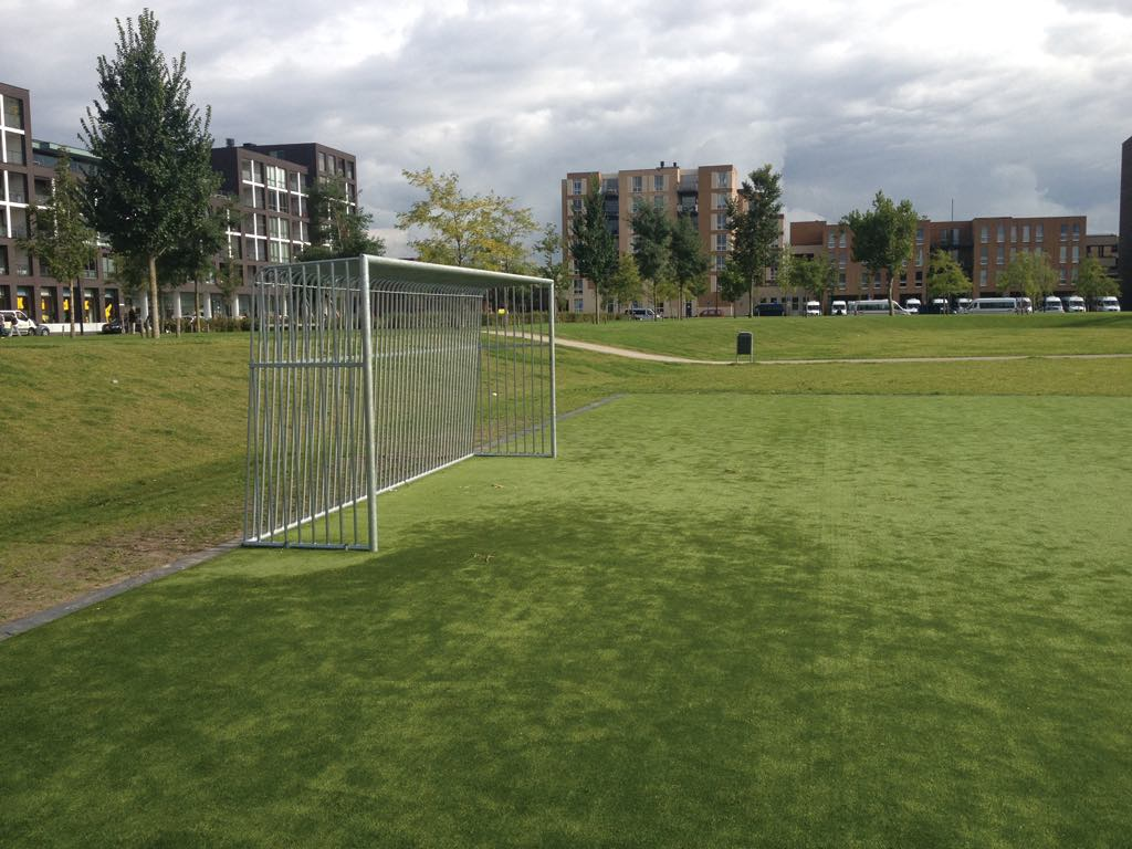 Doel 'Unbreakable' for playground