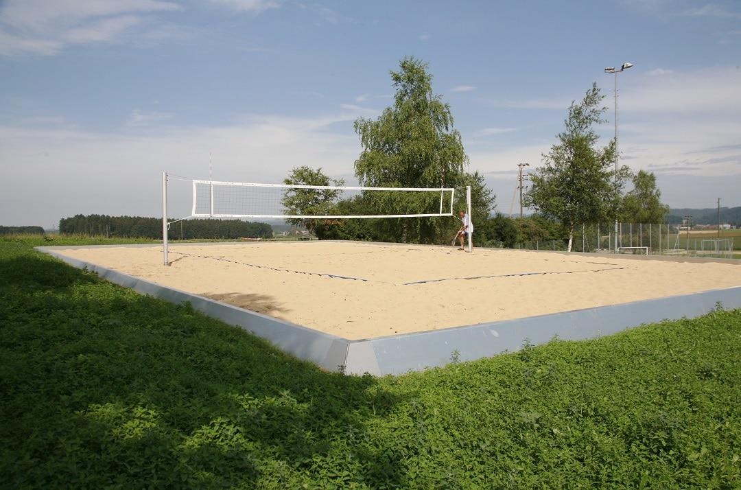 Omranding voor beachcourt (1)