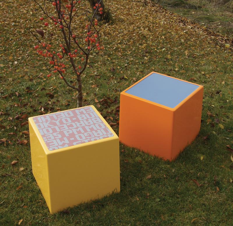 Zitblokken outdoor gras oranje geel