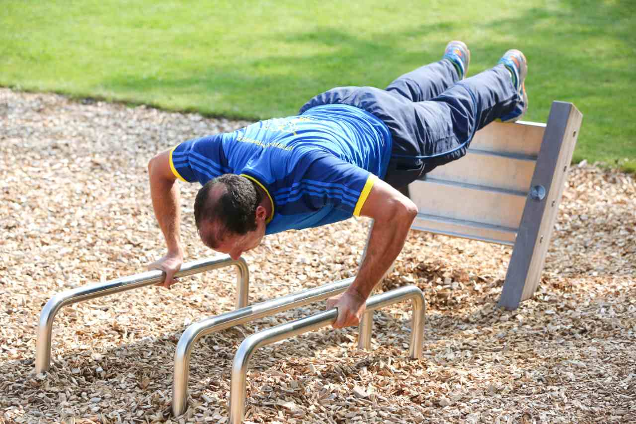 Outdoor fitness - push up