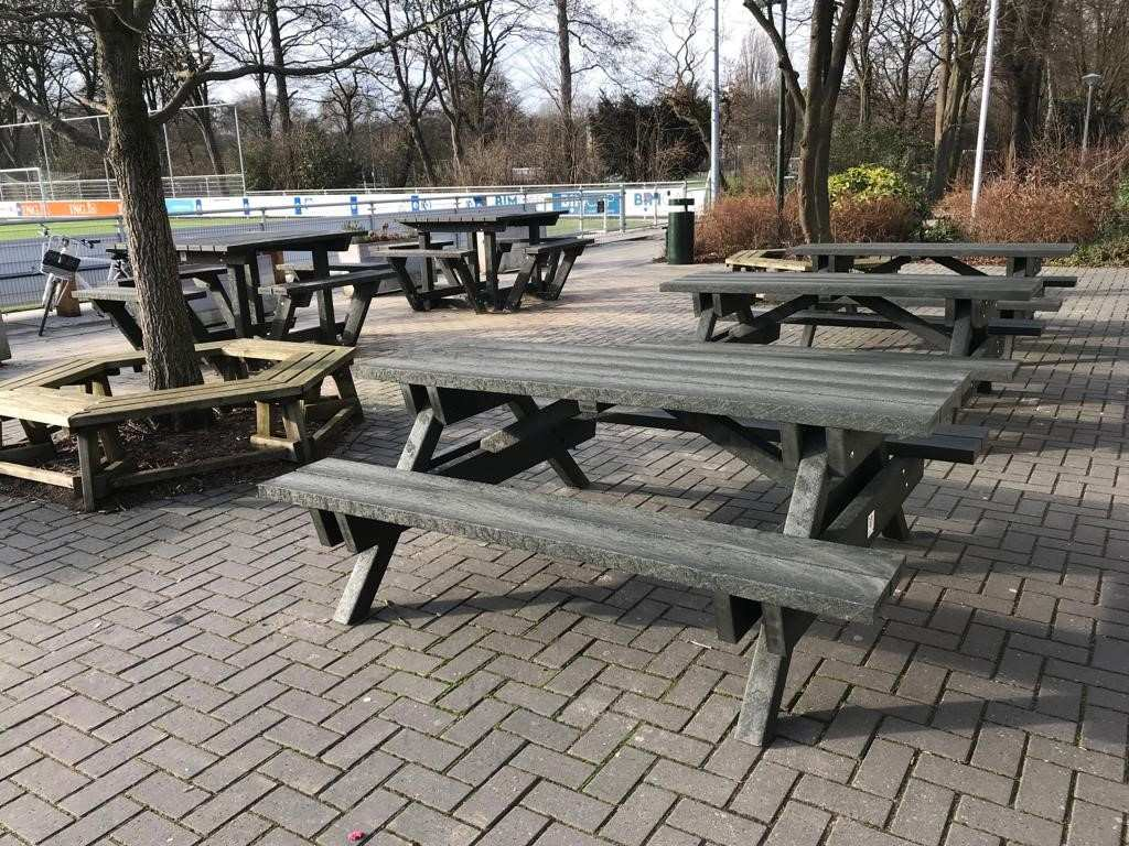 gerecyclede picknicktafel