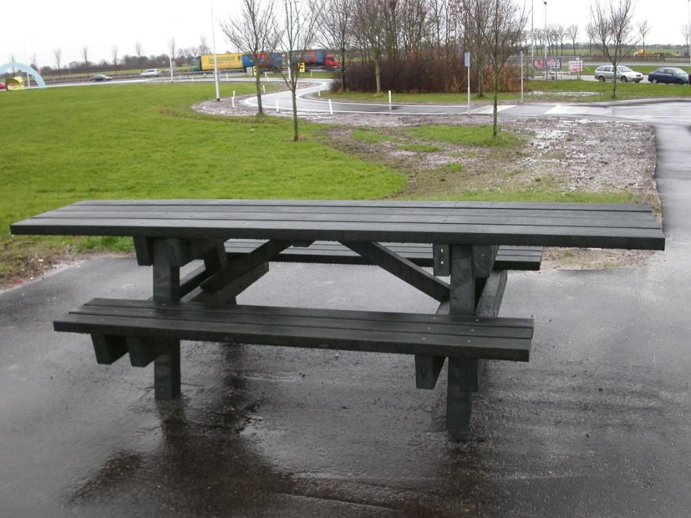 Rolstoelvriendelijke picknicktafel (1)
